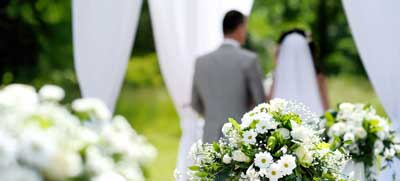 موارد مهم در انتخاب آتلیه عروس را در اینجا بخوانید.