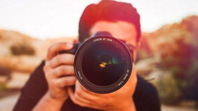 عکاسی حرفه ای در آتلیه عروس پوپک انجام می شود.